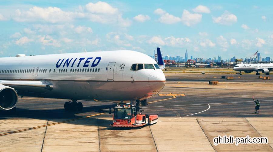ジブリパークへ飛行機でアクセスする方法と移動時間と料金